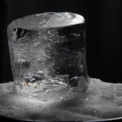 Cylinder-on-snow-600x6001