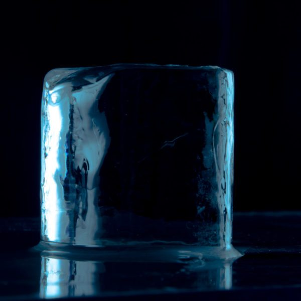 MN Ice The Cylinder Artisan Ice Cubes